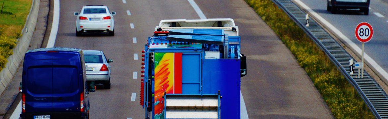 Entenda a Lei que Obriga a Utilização de Farol Baixo na Estrada Durante o Dia