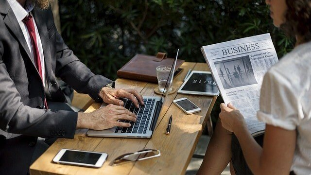 É Possível Terceirizar uma Publicação no Diário Oficial?
